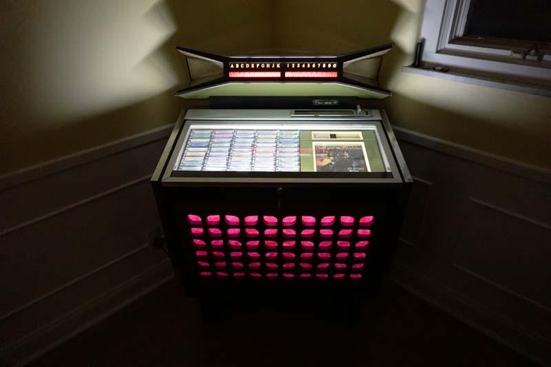 CMM-5 AMI Jukebox Phonograph