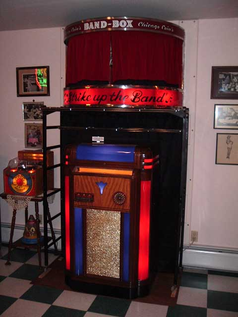 W&B Novelty Company Aftermarket Lightup reconditioned Jukeboxes
