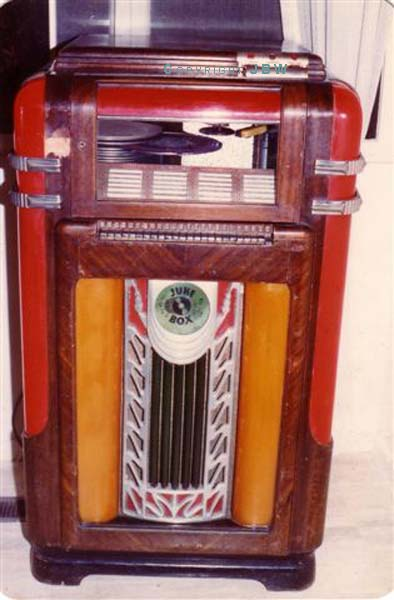 Wurlitzer 600 Jukebox