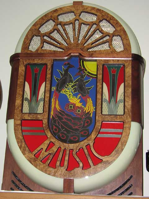 Antique Apparatus Jukebox