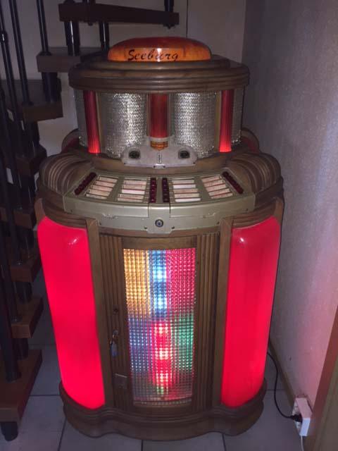 Seeburg Hitone Jukebox Musikbox 8200 LoTone