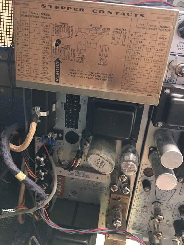 Seeburg HQ100 Hideaway Jukebox Phonograph Musikbox