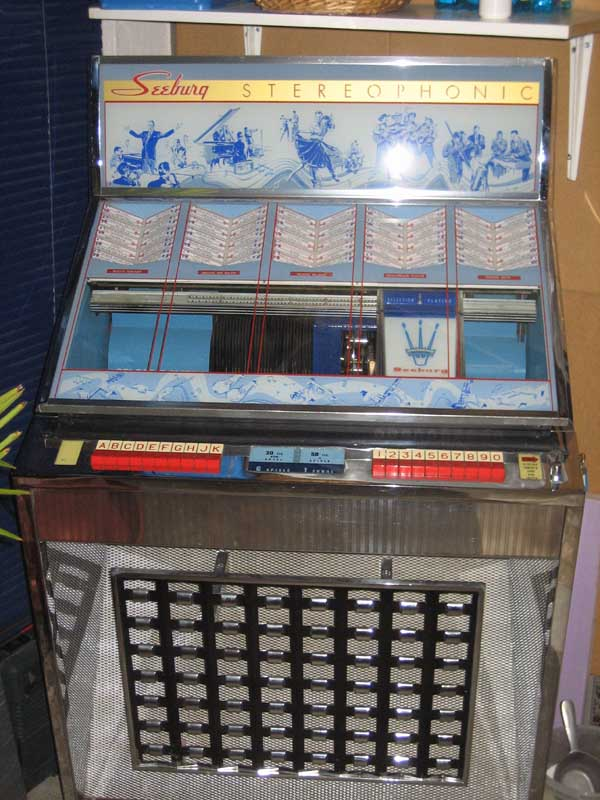 Seeburg Q100 EQ100 Jukebox Phonograph Musikbox