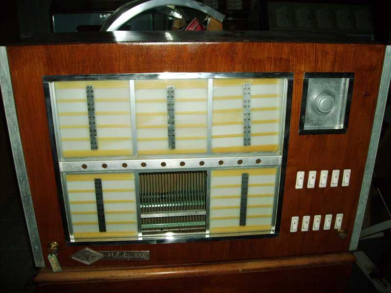 Melodija 100Z Finemehanika Jukebox