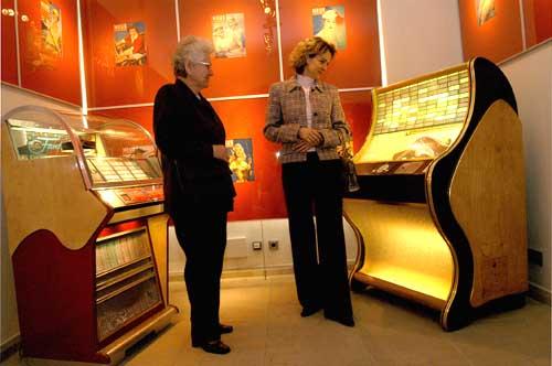 Johann Strauß meets Elvis 2003