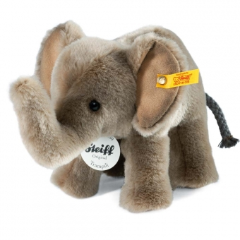 Trampili Elephant, standing