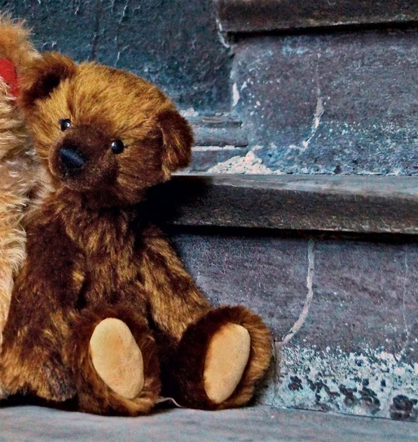 "Teddy ""Charlie"""